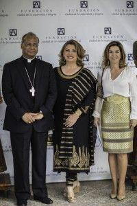 Arzobispo de Madrás y Mylapore, Reverendo Monseñor George Antonysamy y Maria Moreno