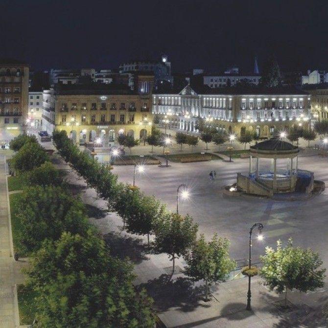 Gran Hotel La Perla de Pamplona, Hotel y Sede Real