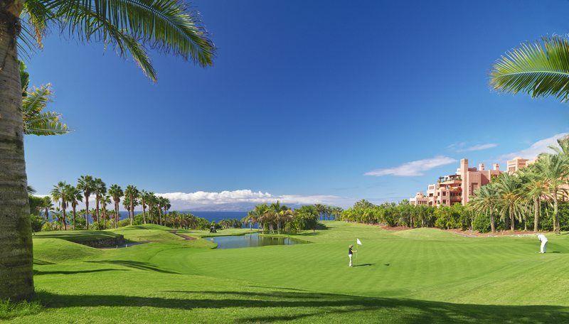 Golf course-Golfer-Pond