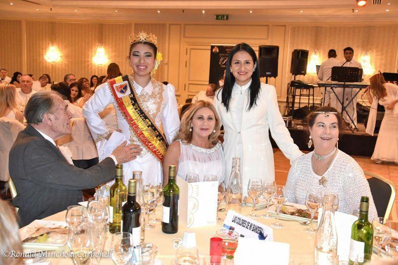 GALA DEL PEROL_Los condes de Liedekerke junto a liliana Cavallero y la presidenta del club libertad Lady Jouany