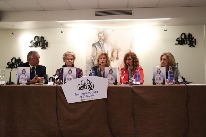 Pilar de Arístegui presenta su libro Sofía, la reina.