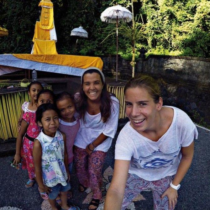 Un voluntariado dando clases de inglés a niños en Indonesia