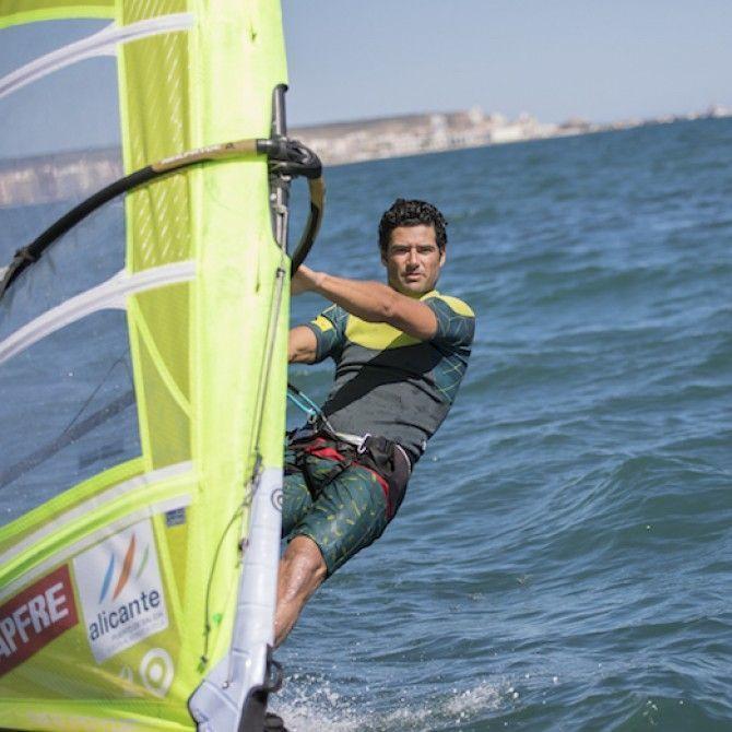 Como se cuida el atleta olímpico de windsurf Ivan Pastor