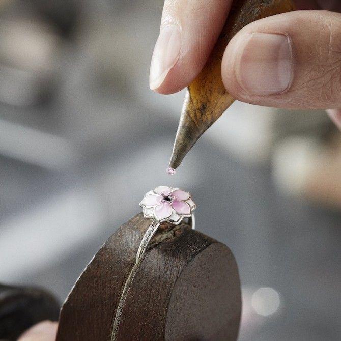 Pandora trae por primera vez en su historia el proceso de fabricación de sus piezas a Madrid
