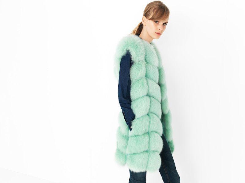 Cyrana Furs chalecos de colores con paneles de zorro
