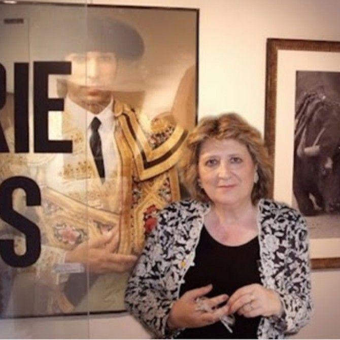 In Memoriam: Gracias, Dolores de Lara.
