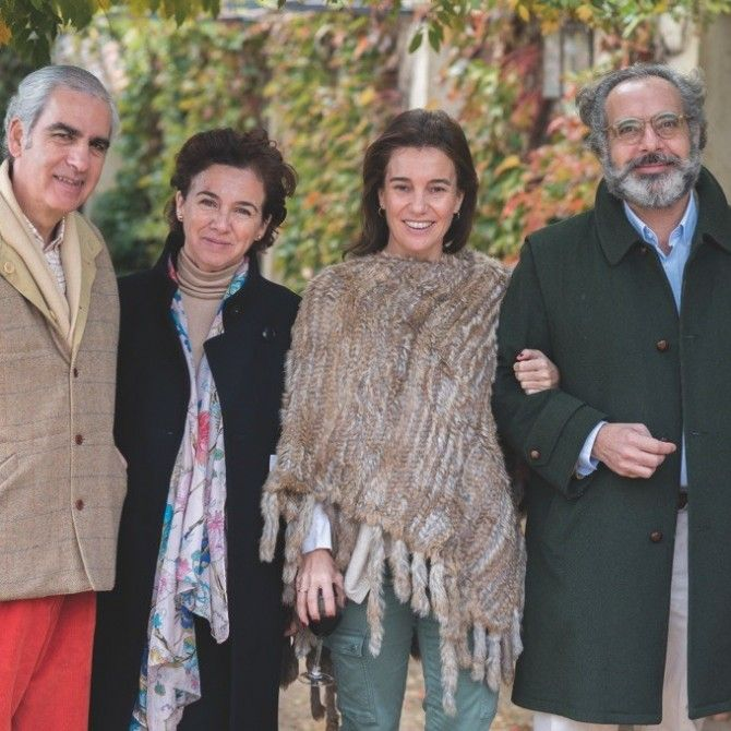 Reunión de familias de amigos en el Caserío de Lobones, Segovia