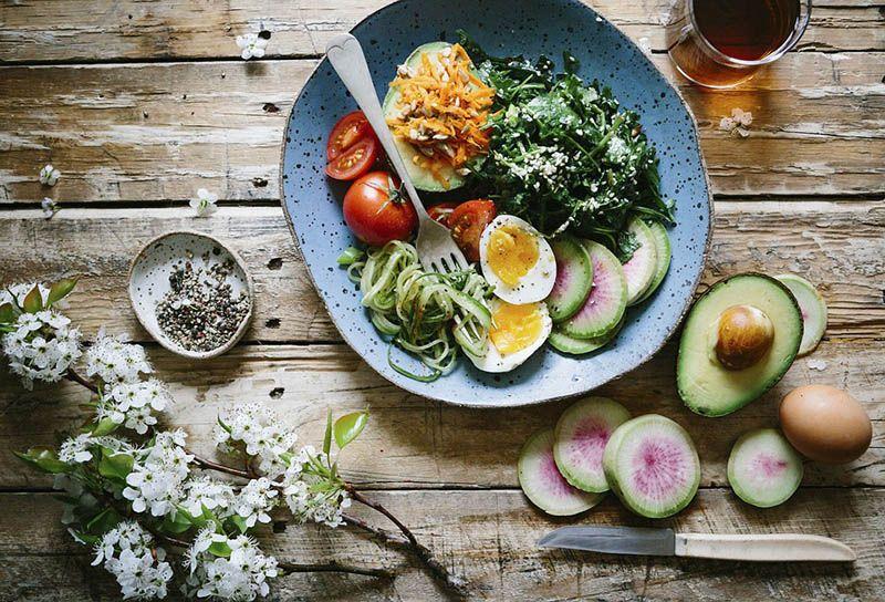 Los mejores ingredientes para el verano están en las ensaladas