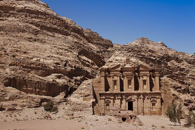 Viajar a Petra de la mano de la reina de Jordania