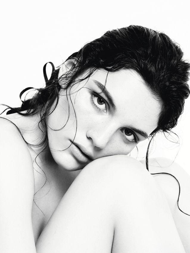 Narciso Rodriguez for her Musc Noir reinterpreta la icónica fragancia