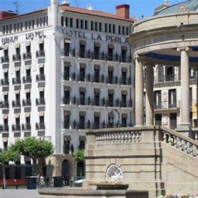 Una escapada segura a Pamplona al exclusivo e histórico Gran Hotel la Perla